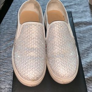 Women's white canvas sneakers